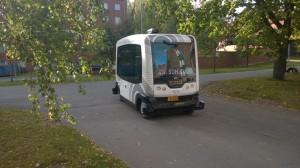 robottibussi-kaartamassa-innovaatiokujalle